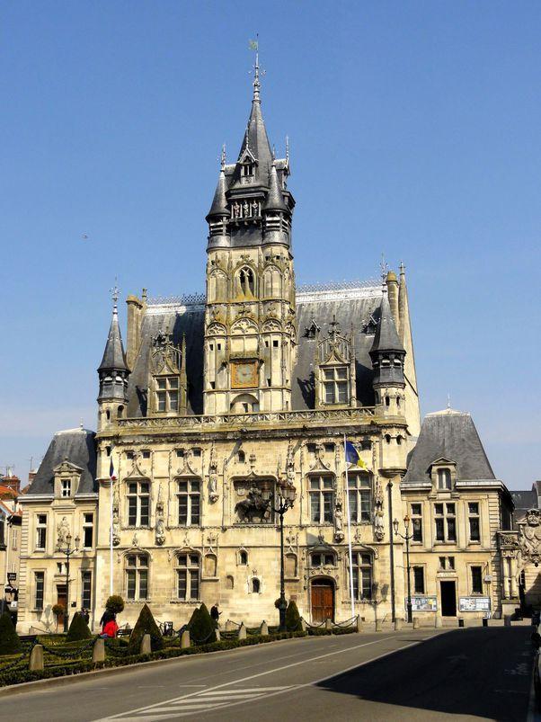 Hotel-de-ville-Compiègne